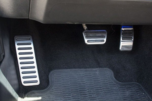 Acc 174 Ford Mustang 2015 Dead Pedal Pad