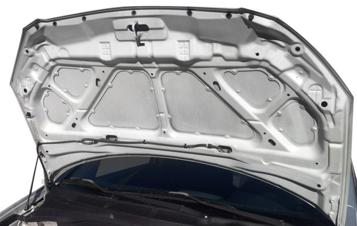Base Trim Level Vehicle Without Hood Pad