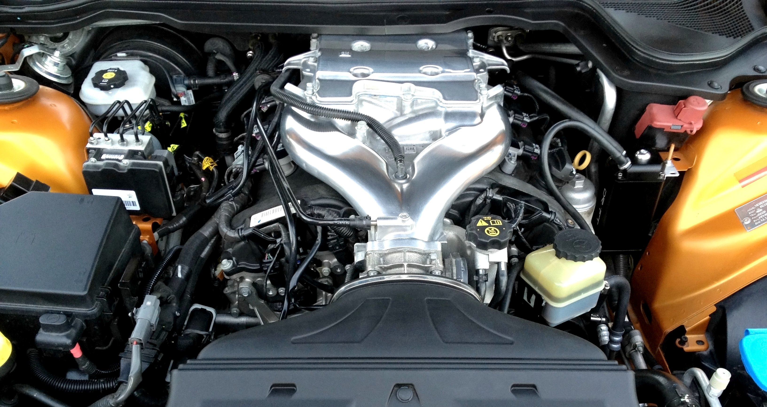 Intake Manifolds On V8 Engine