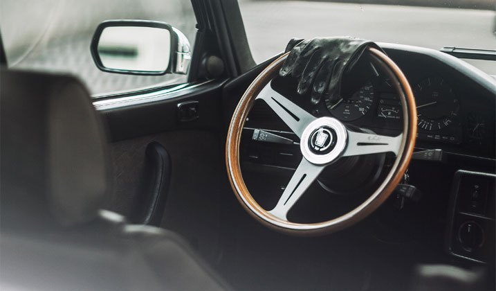 Classic Looking Custom Steering Wheels