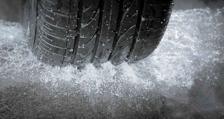 Tire Grooves Effectively Channel Out Rainwater