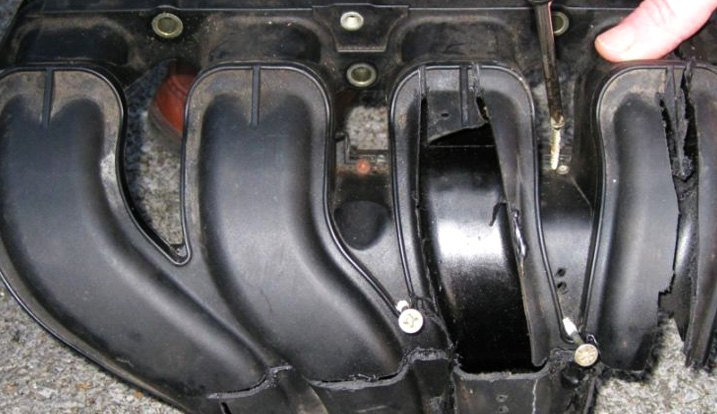 Early Plastic Intake Manifolds