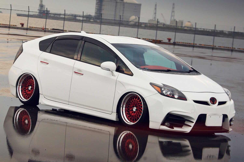 Avant Garde F Custom Painted Toyota Prius V