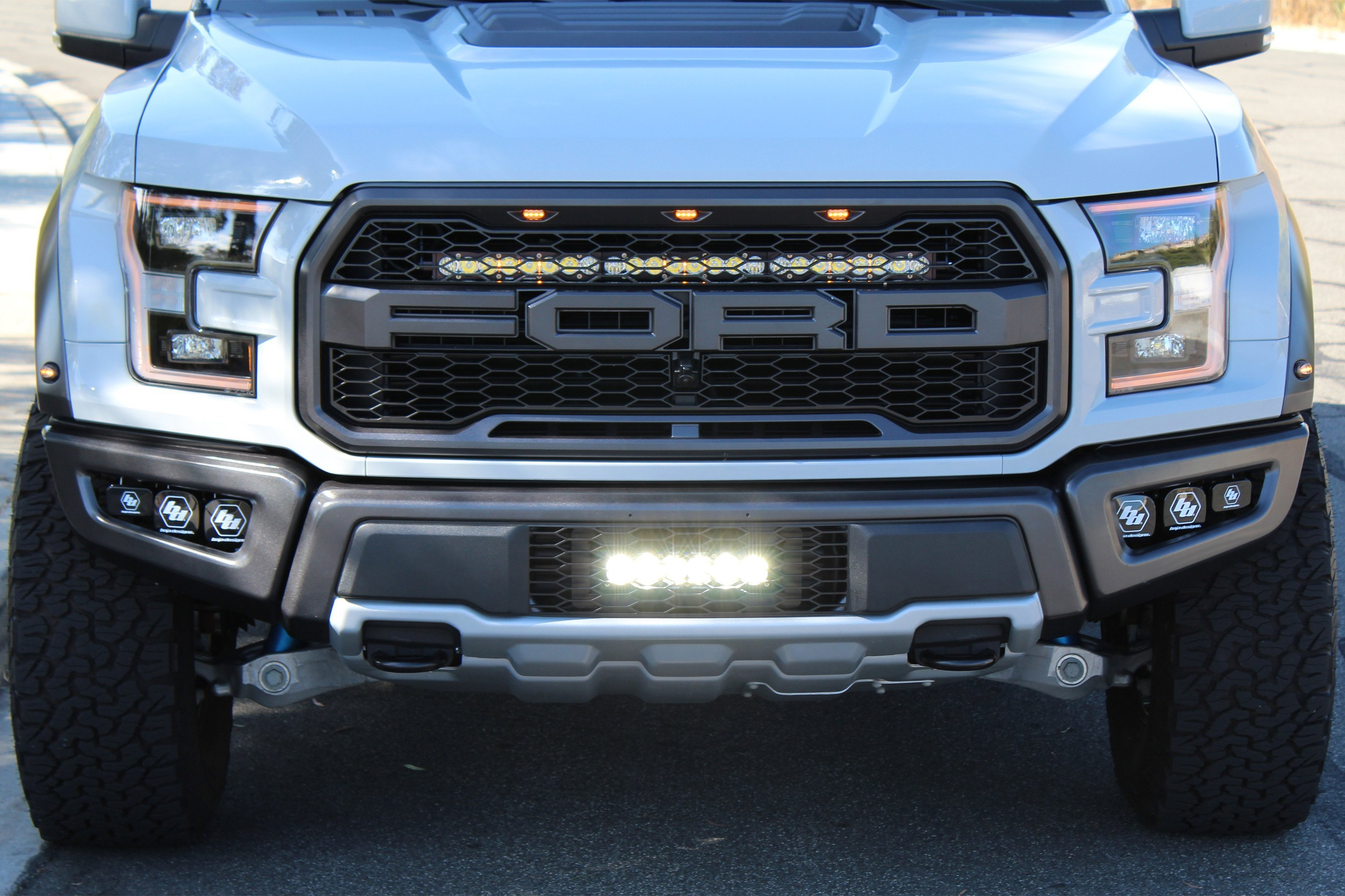 44 7561 installed 2 baja designs® 44 7561 grille mounted s8™ 30\