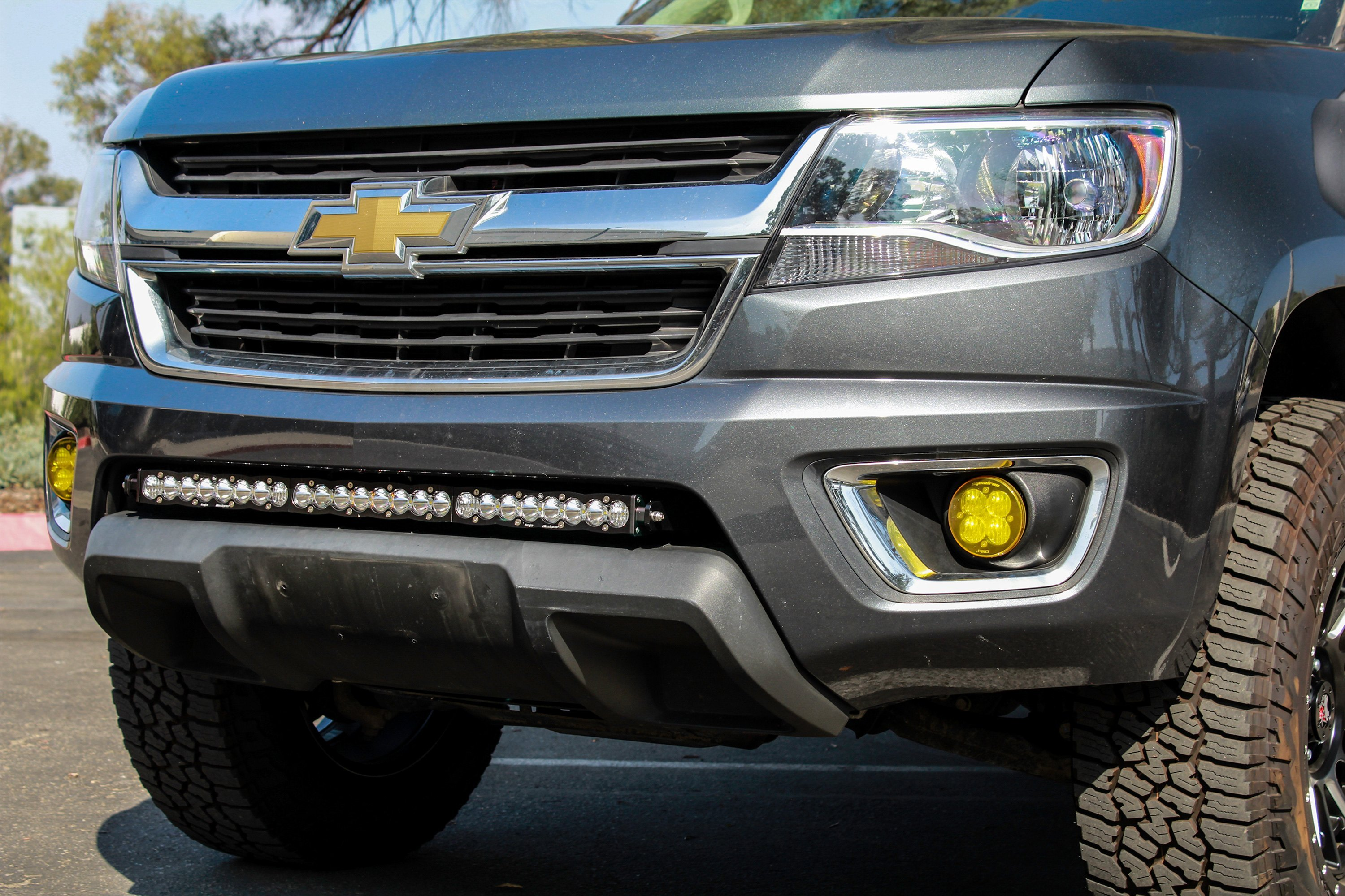 44 7561 installed 9 baja designs® 44 7561 grille mounted s8™ 30\