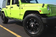 BALLISTIC® - MORAX Flat Black with Machined Accents om Jeep Wrangler