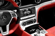 Beat-Sonic@ Mercedes-Benz Dash Kit