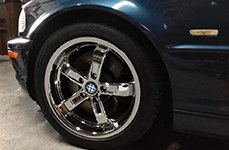 BEYERN® - 5 Chrome on Car