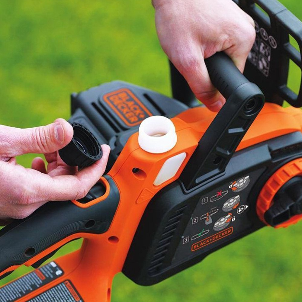 black decker lcs1020 20v max lithium ion cordless 10 chainsaw. Black Bedroom Furniture Sets. Home Design Ideas