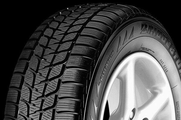 bridgestone blizzak lm 25 4x4 rft tires winter performance tire for cars. Black Bedroom Furniture Sets. Home Design Ideas
