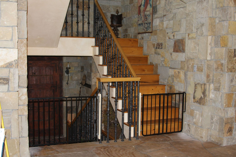 ... GateCardinal Gates®   Stairway Special Safety ...