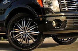 DELINTE® - D7 Tires on Ford F-150