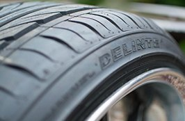 DELINTE® - D7 Thunder Tires with Savini Wheels on Car