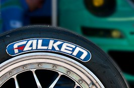 FALKEN® - Label Team Close-Up