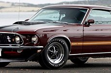 FIRESTONE® - WIDE OVAL on Ford Mustang