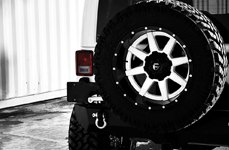Fuel Maverick 2PC Black with Machined Face on Jeep Wrangler JK