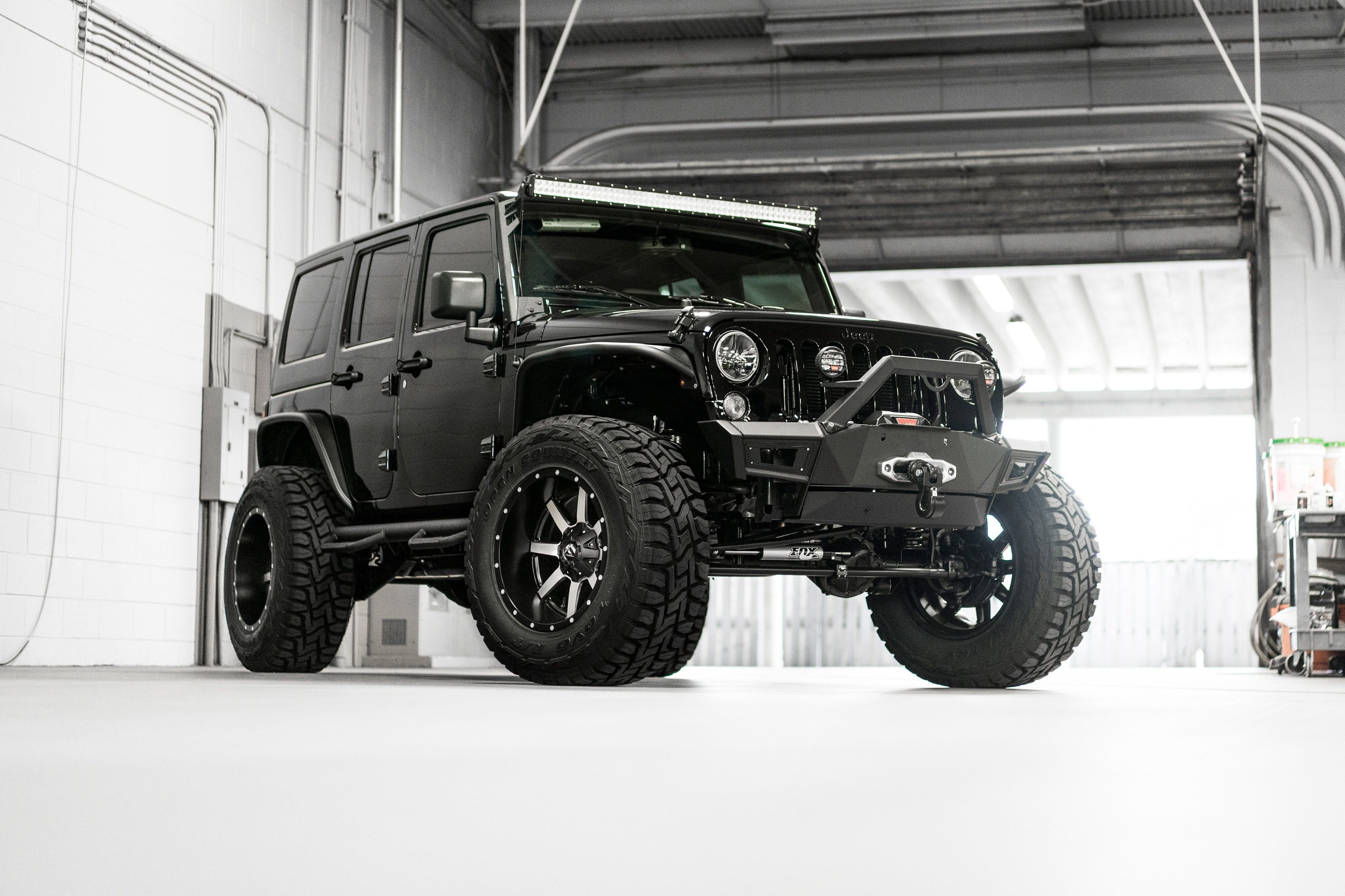 Fuel D260 Maverick 2pc Forged Center Wheels Black With Chrome Jeep Wrangler Face On Wranglerfuel