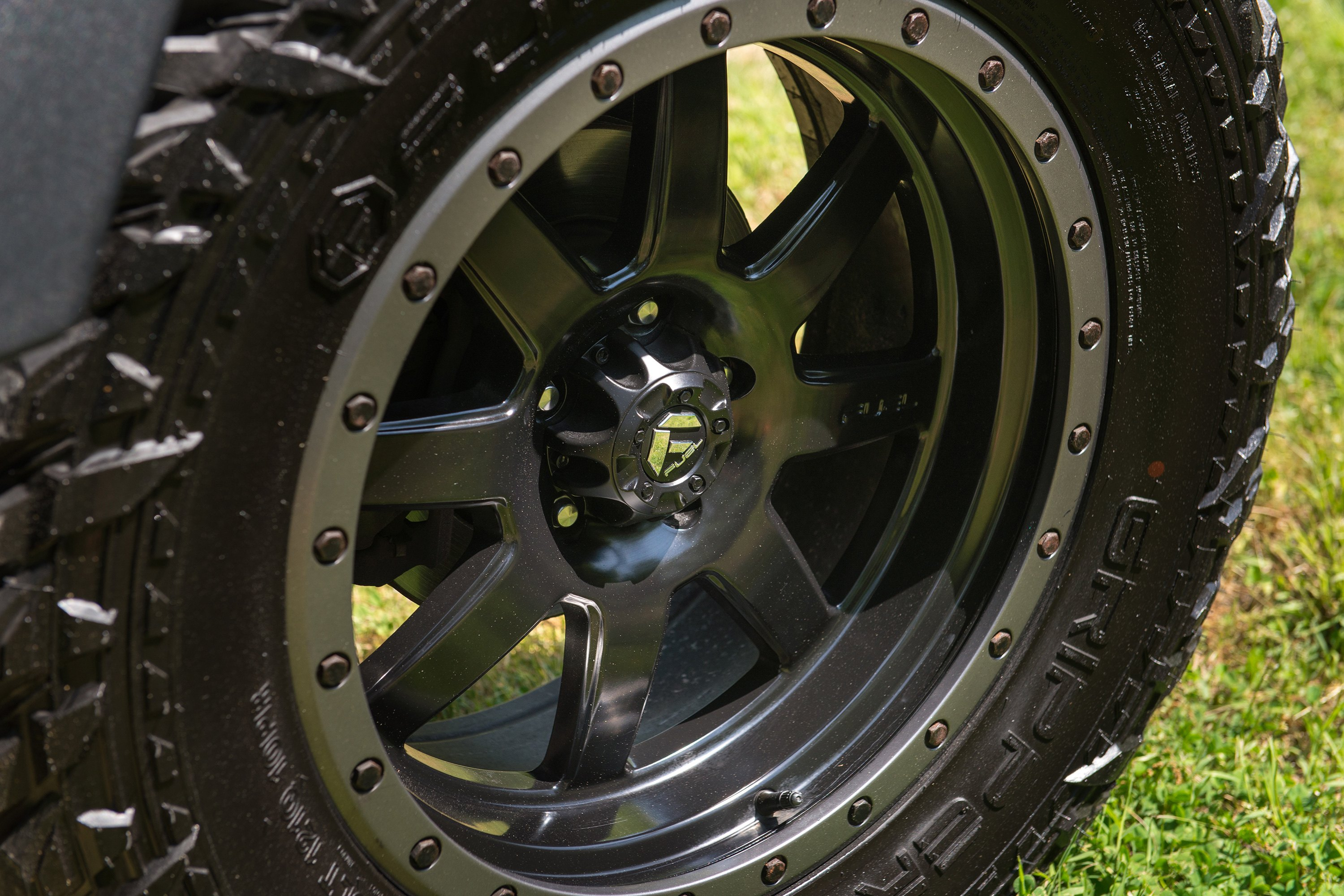 Fuel Trophy Wheels >> Fuel D551 Trophy 1pc Matte Black With Graphite Bead Ring