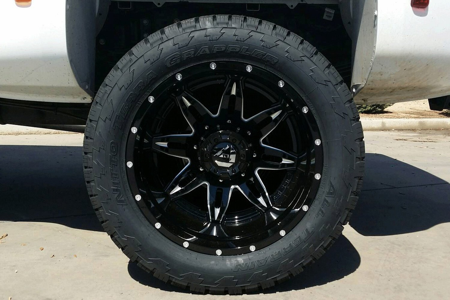 Fuel Dually Wheels >> Fuel D267 Dually Lethal 2pc Gloss Black With Milled Accents
