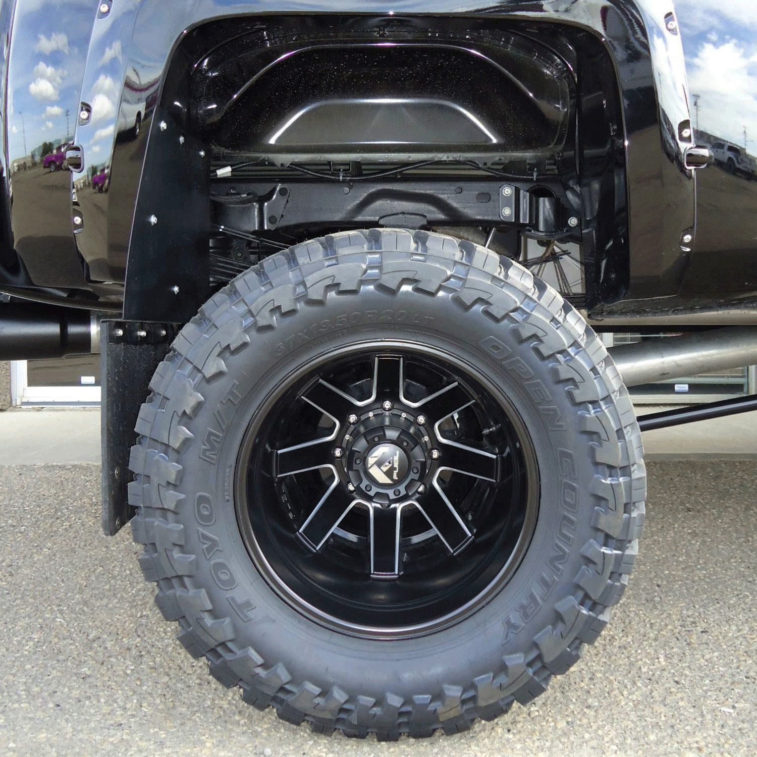 Fuel Dually Wheels >> Fuel D538 Dually Maverick 1pc Matte Black With Milled Accents