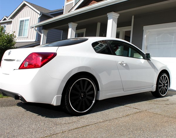 Nissan altima 2013 black rims