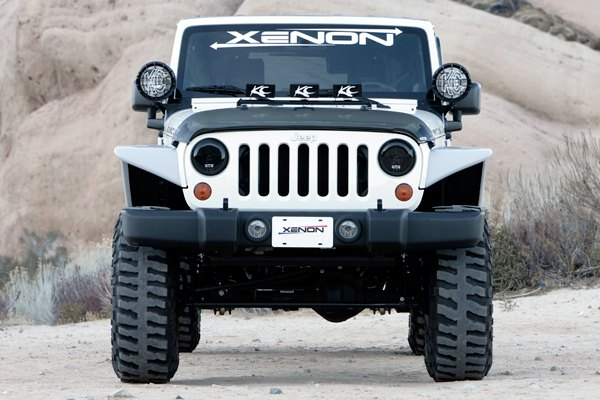 Jeep hood wind deflector