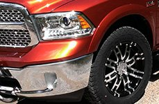 HELO® - HE835 Gloss Black with Machined Face on Dodge Ram