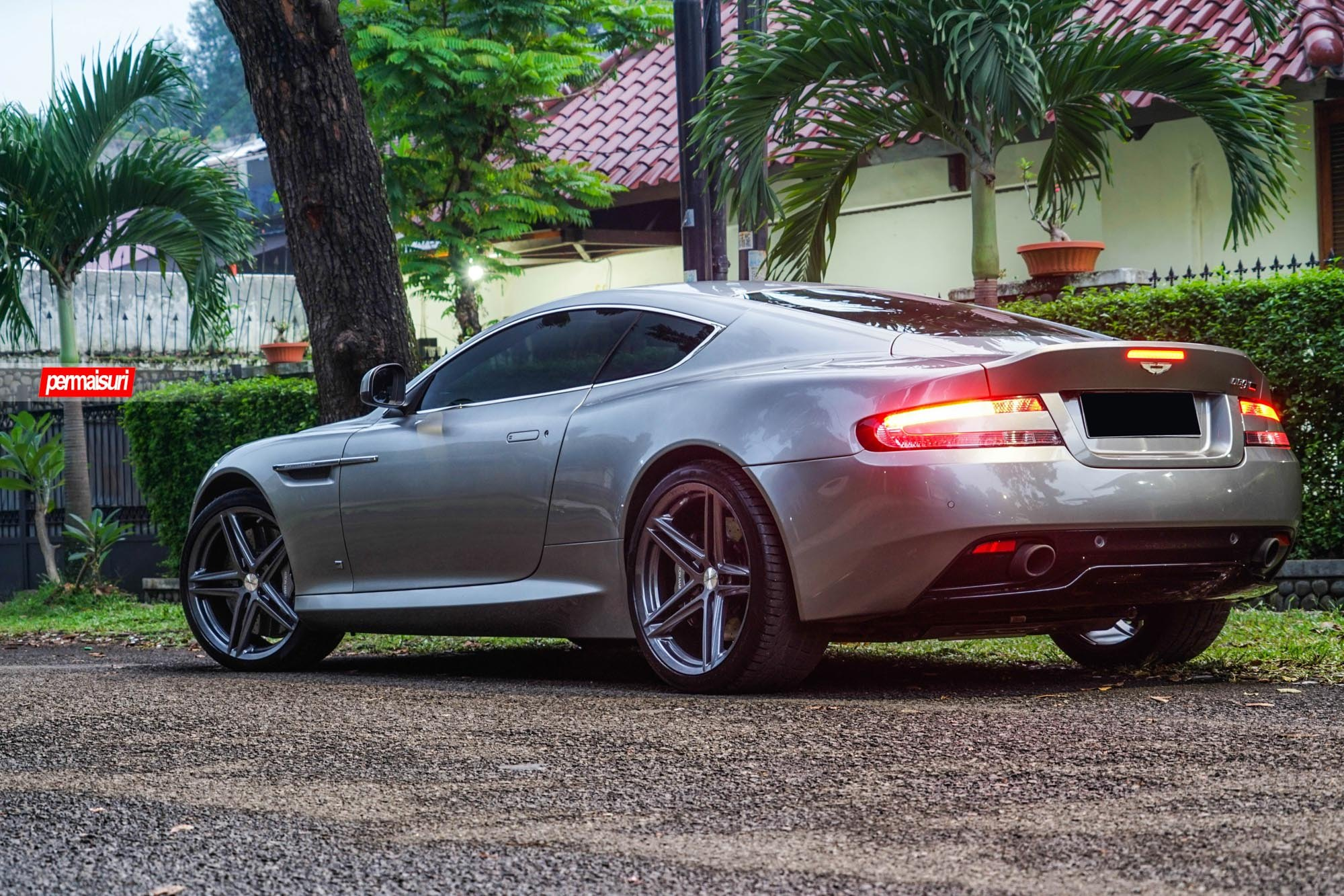 Aston Martin With Aftermarket Led Taillights Photo By Vossen