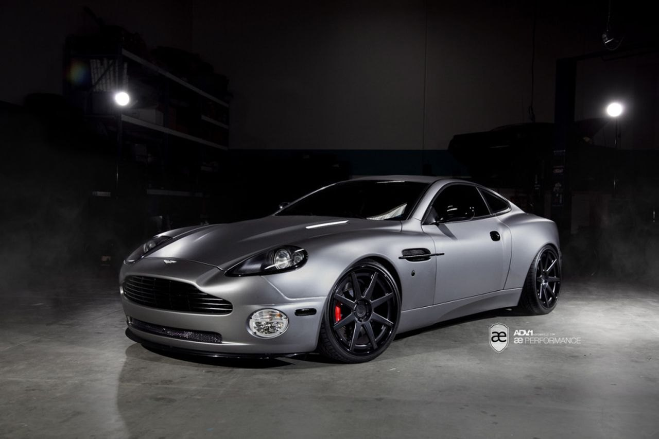 Custom 2003 Aston Martin Vanquish Images Mods Photos Upgrades Carid Com Gallery
