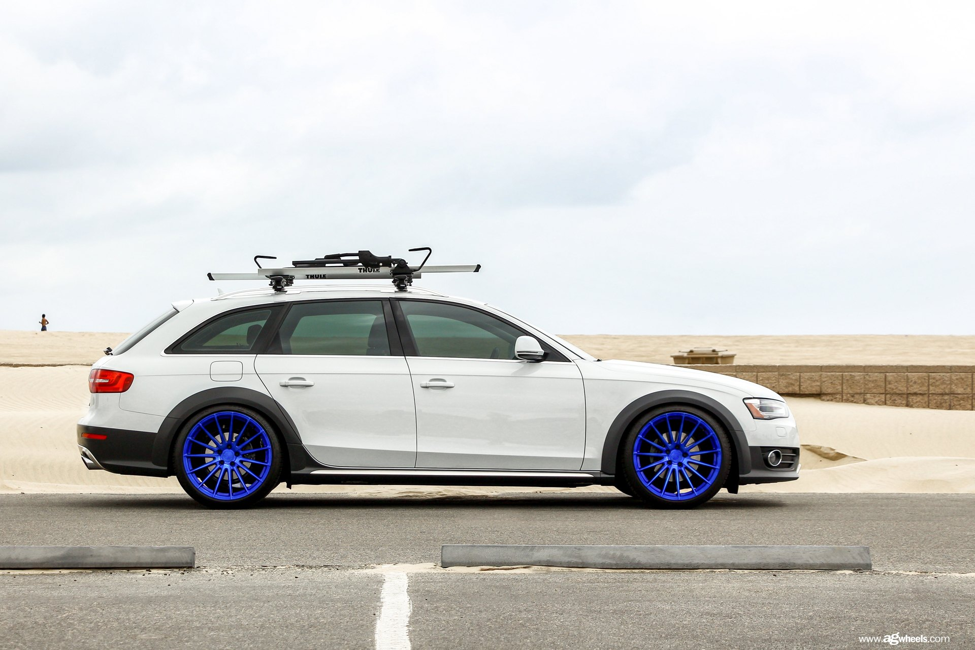 car enthusiasts dream white audi a4 wagon with bike rack. Black Bedroom Furniture Sets. Home Design Ideas