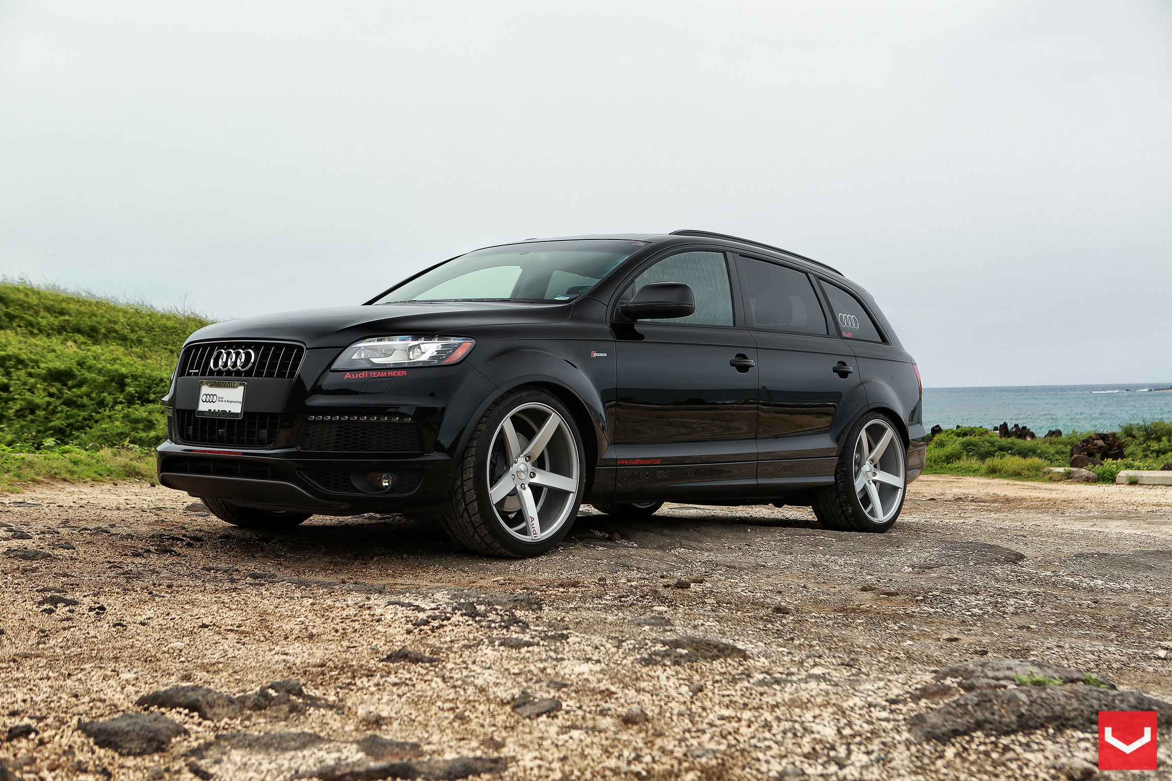 A Touch Of Style On Audi Q7 With Custom Accessories Carid Com Gallery