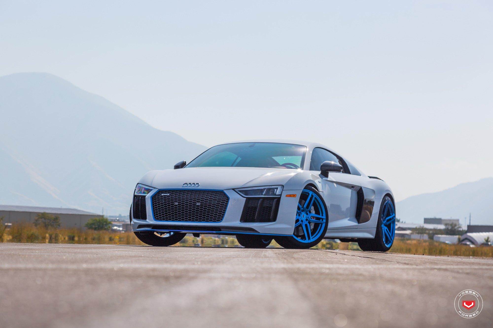 Extraordinary White Audi R Sitting On Blue Custom Rims CARiDcom - White audi r8