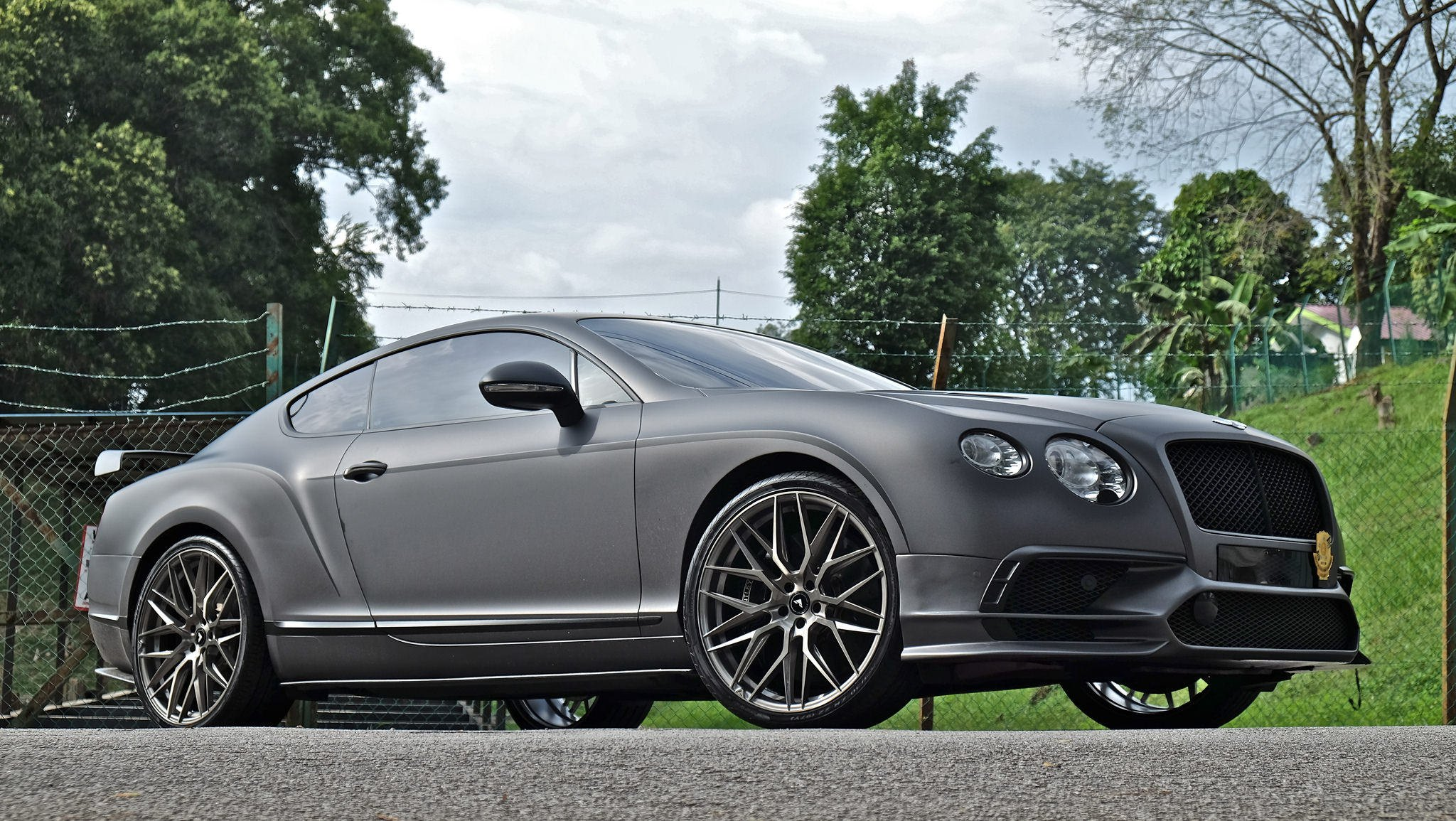 King On The Road Bespoke Gray Matte Bentley Continental Carid Com Gallery