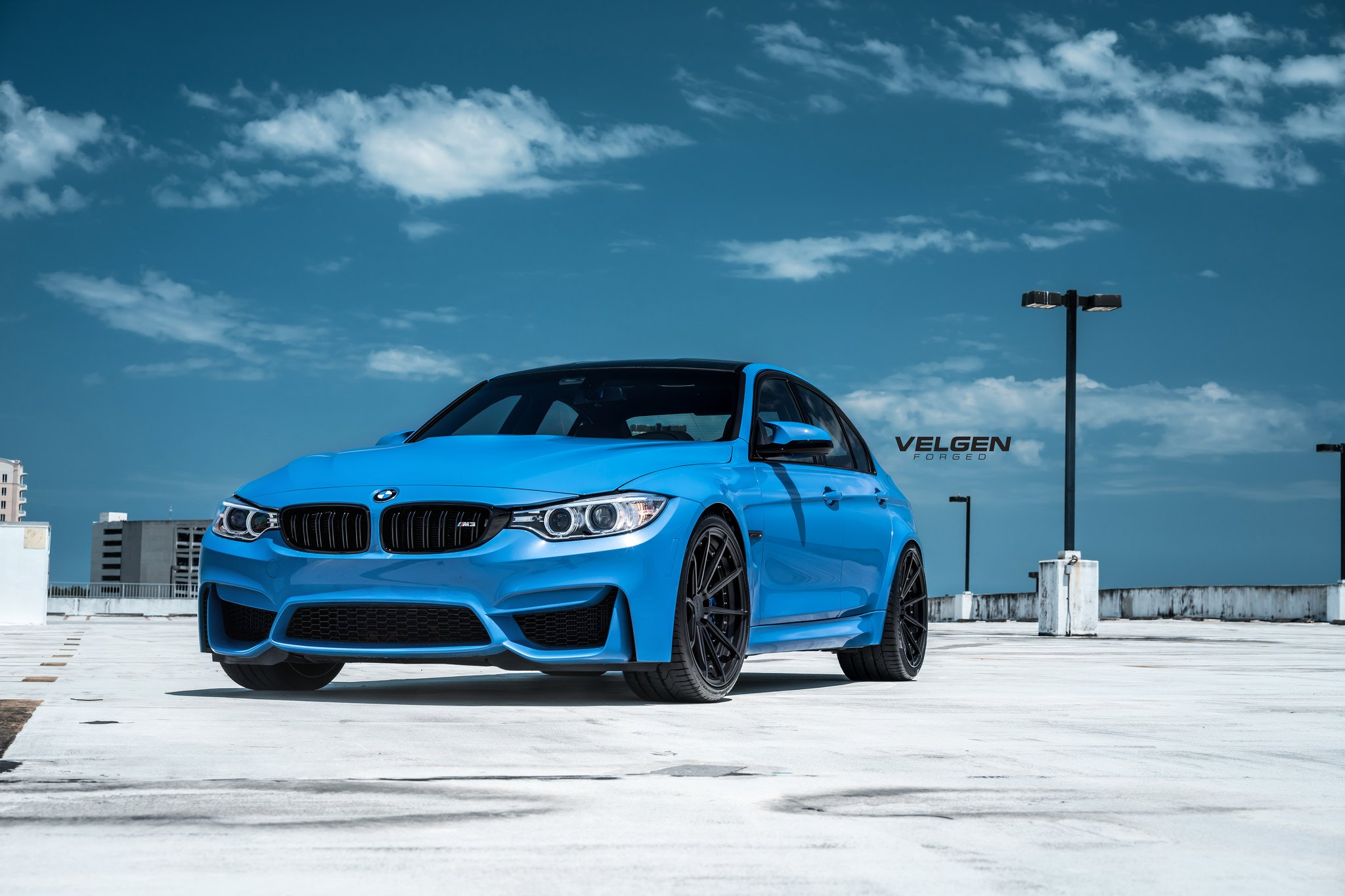 Magnetic Tuning For Blue Bmw 3 Series On Black Forged Velgen