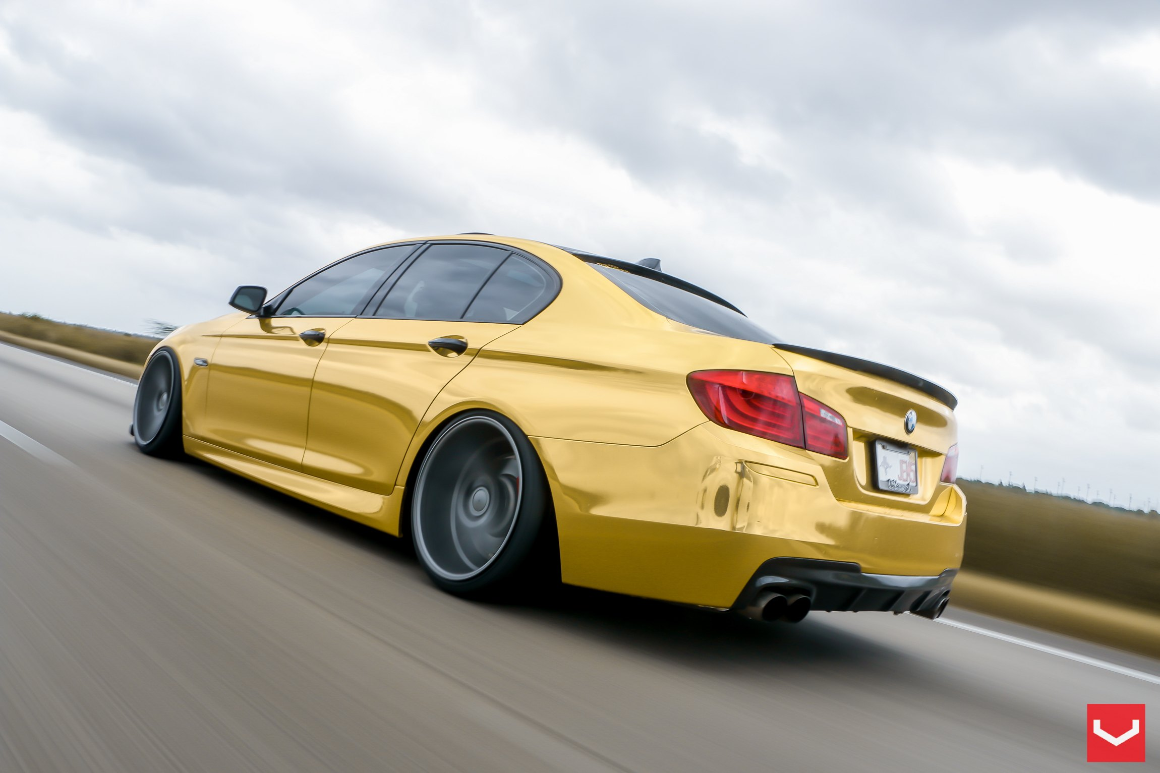 Bmw 5 Series Gets A Custom Gold Wrapping Carid Com Gallery