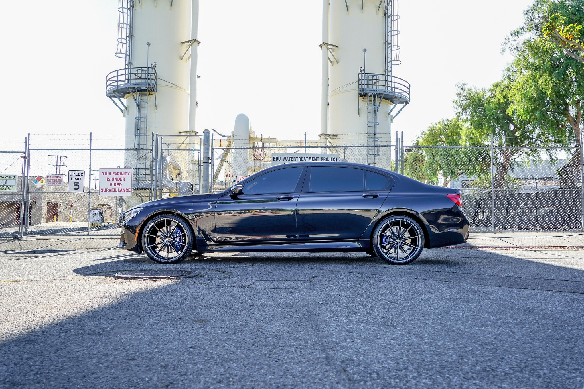 BMW 7-Series Looks Exactly as Aggressive as It Should