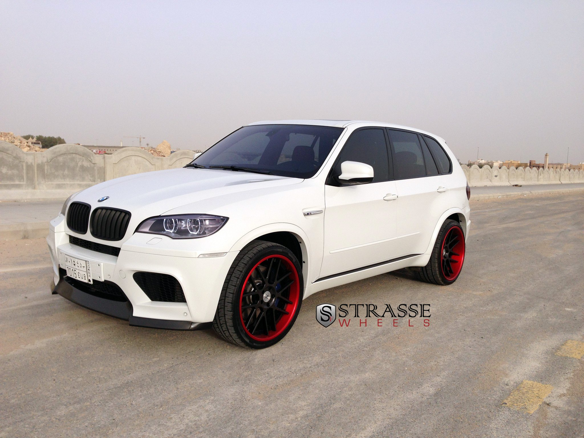 White Bmw X5 On Contrasting Matte Black Strasse Wheels Featuring Red Lip Carid Com Gallery