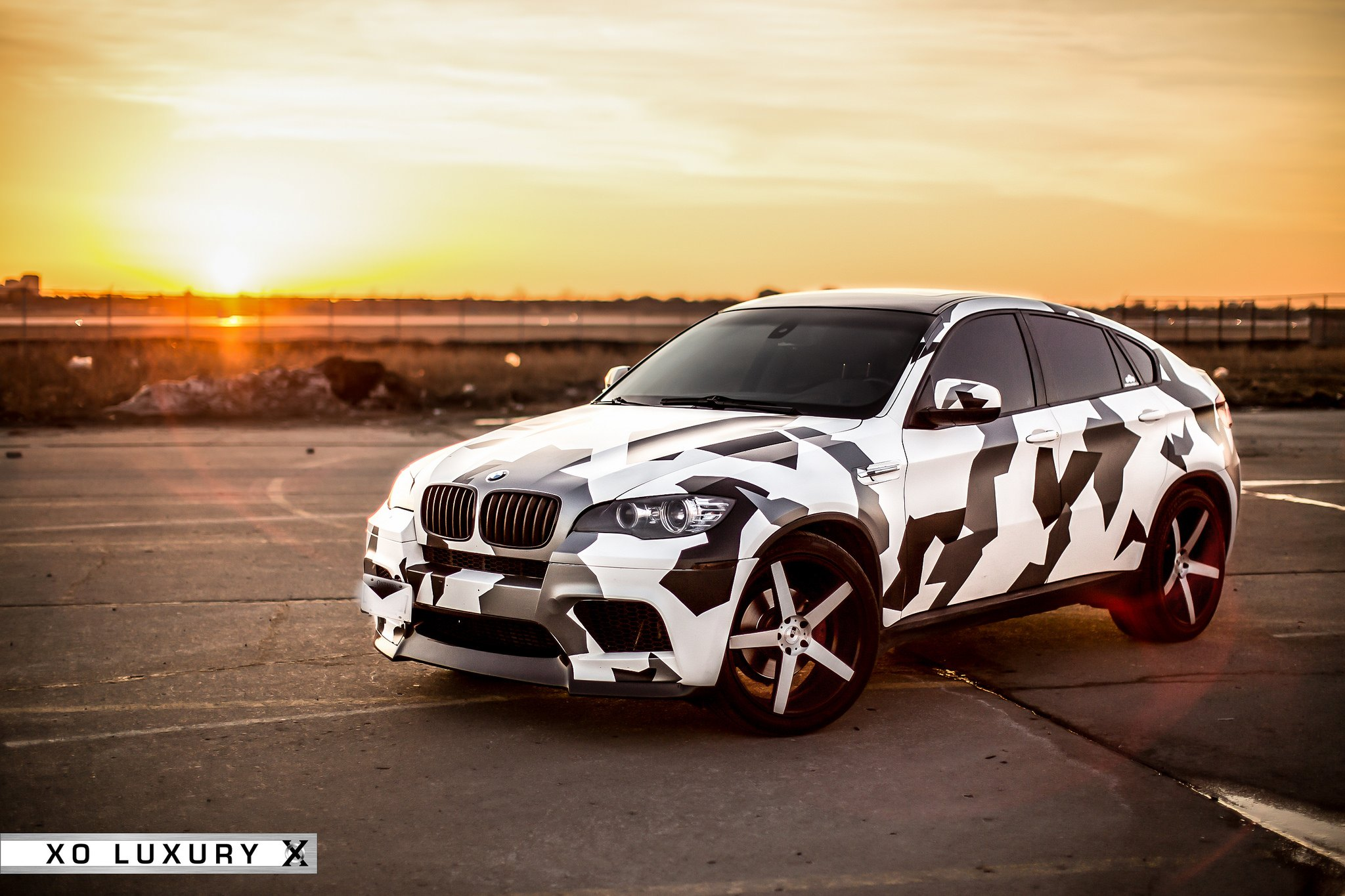 Bmw X6 M With Black And White Camo Wrap On Xo Luxury Rims Carid Com Gallery