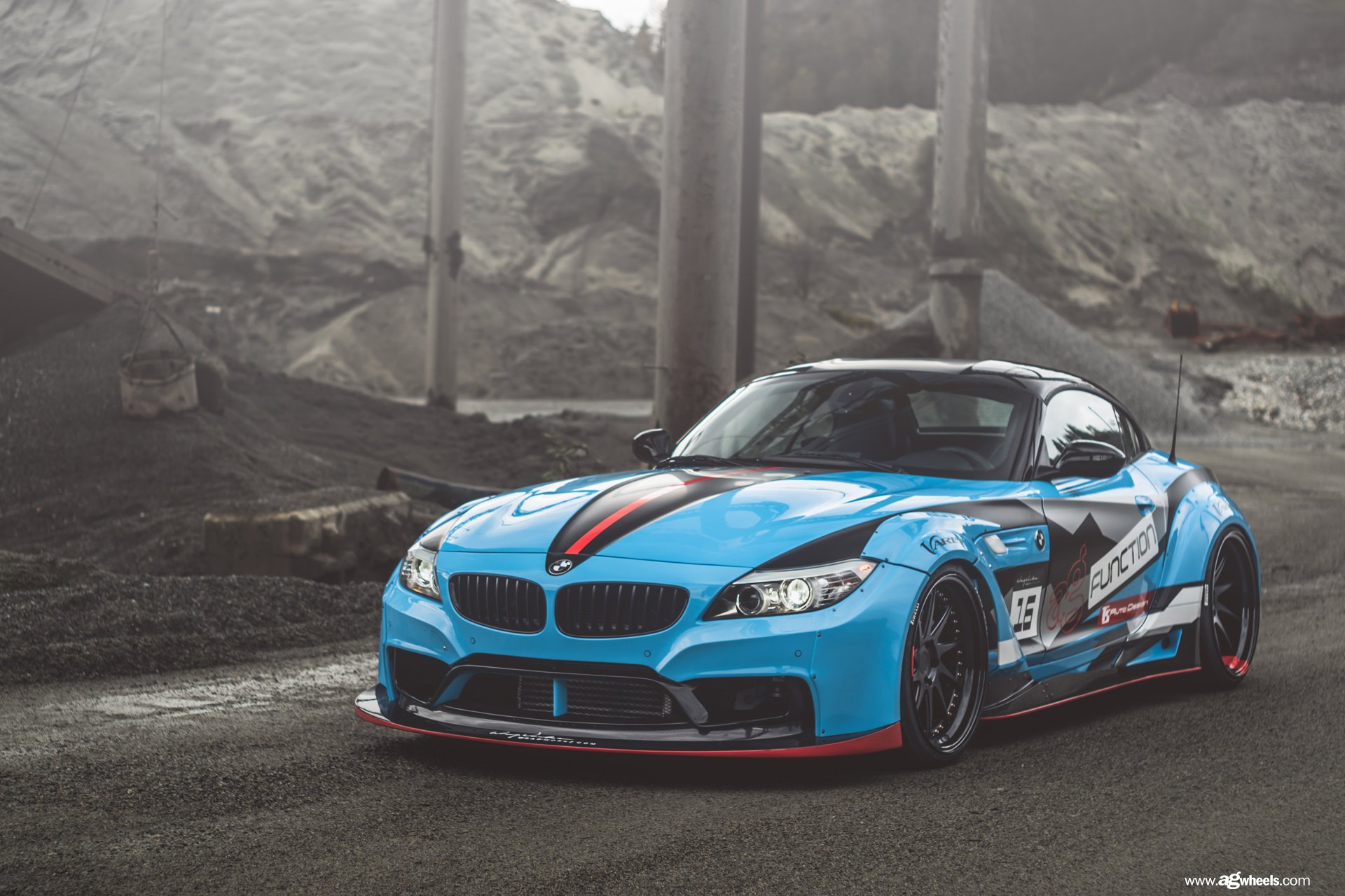 Bmw Z4 With A Wide Body Kit And Racing Livery Carid Com