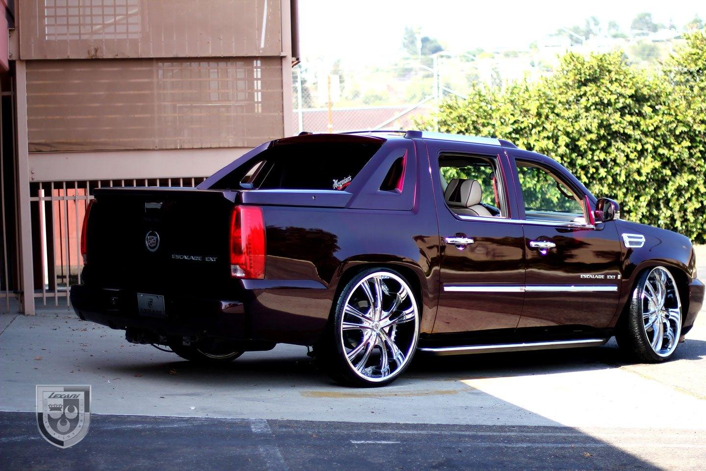 Cadillac Escalade Ext On Chrome Rims Photo By Lexani