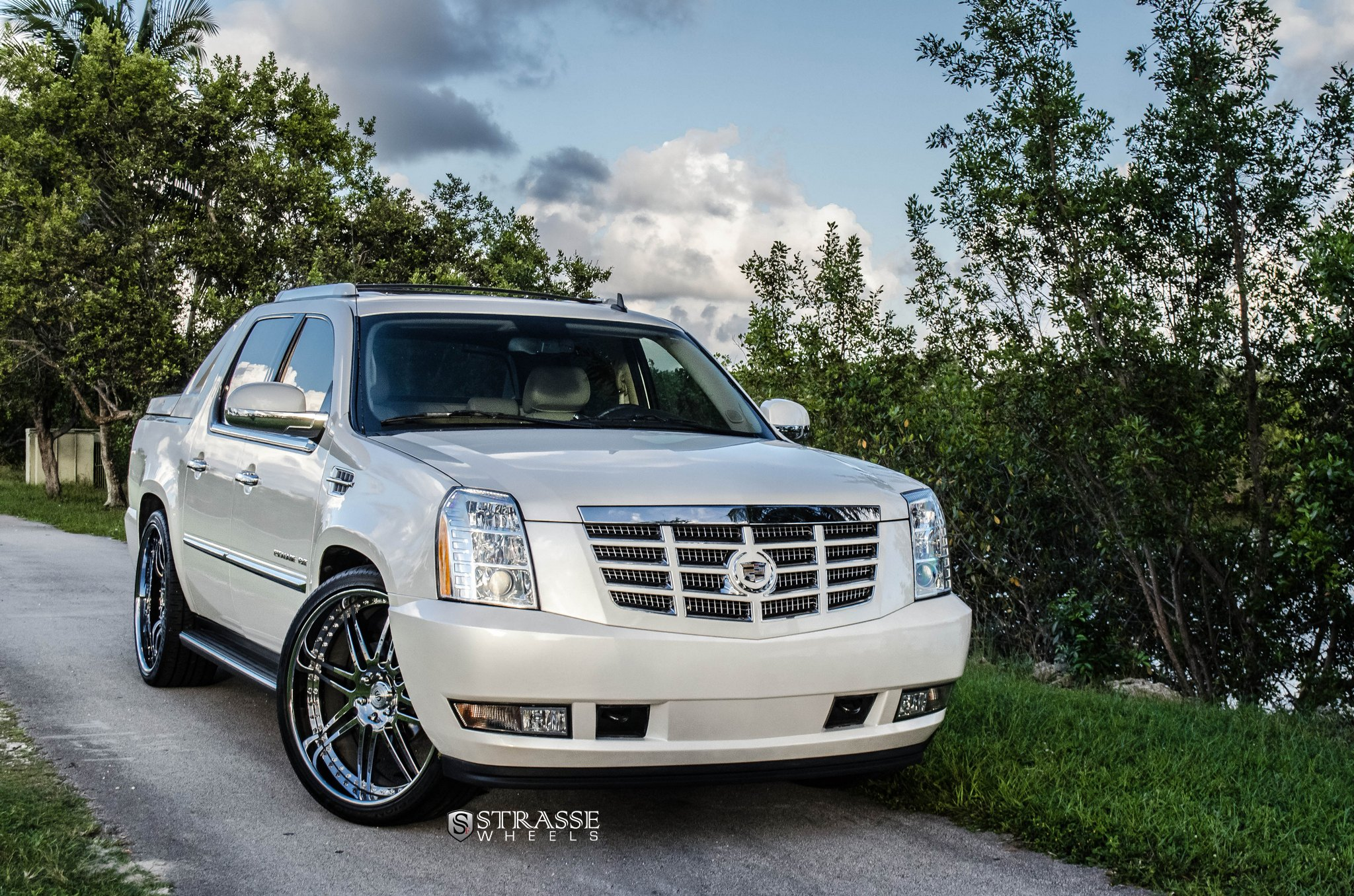stylish presence of custom white cadillac escalade fitted. Black Bedroom Furniture Sets. Home Design Ideas