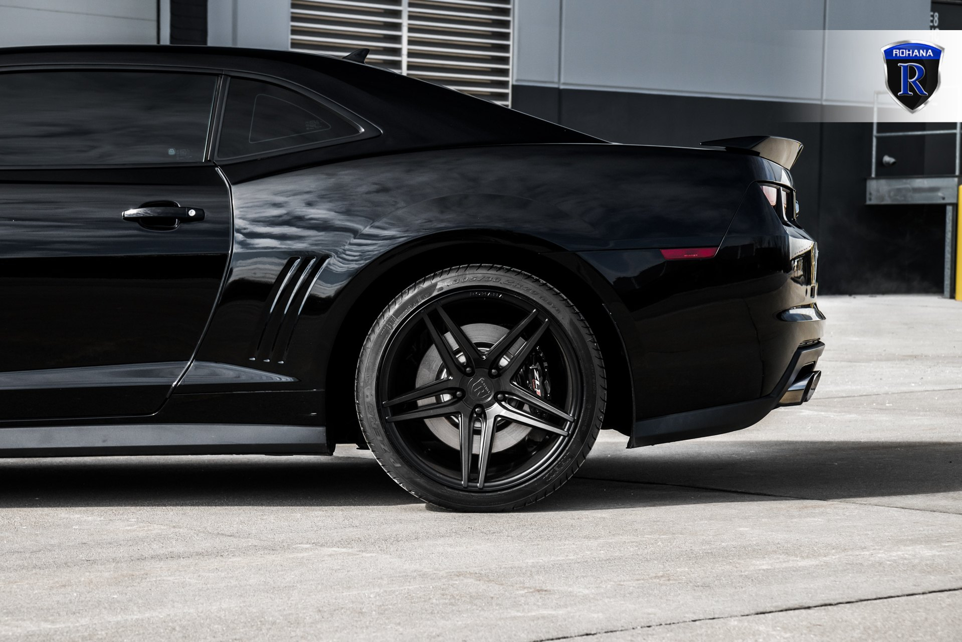 Pirelli Tires on Black Chevy Camaro ZL1 - Photo by Rohana Wheels