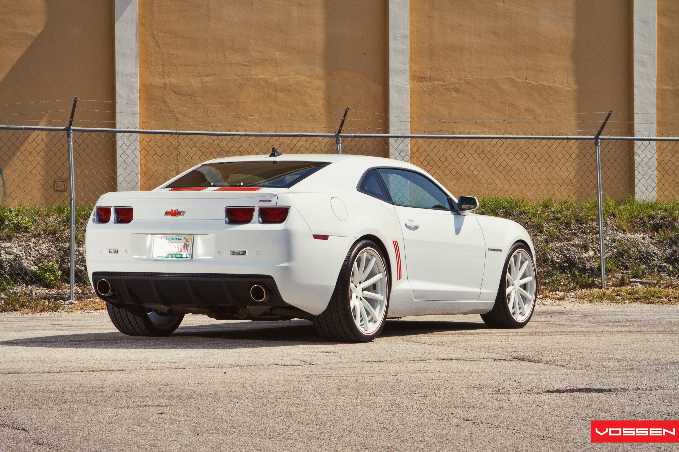 Aftermarket Rear Diffuser on White Chevy Camaro - Photo by Vossen