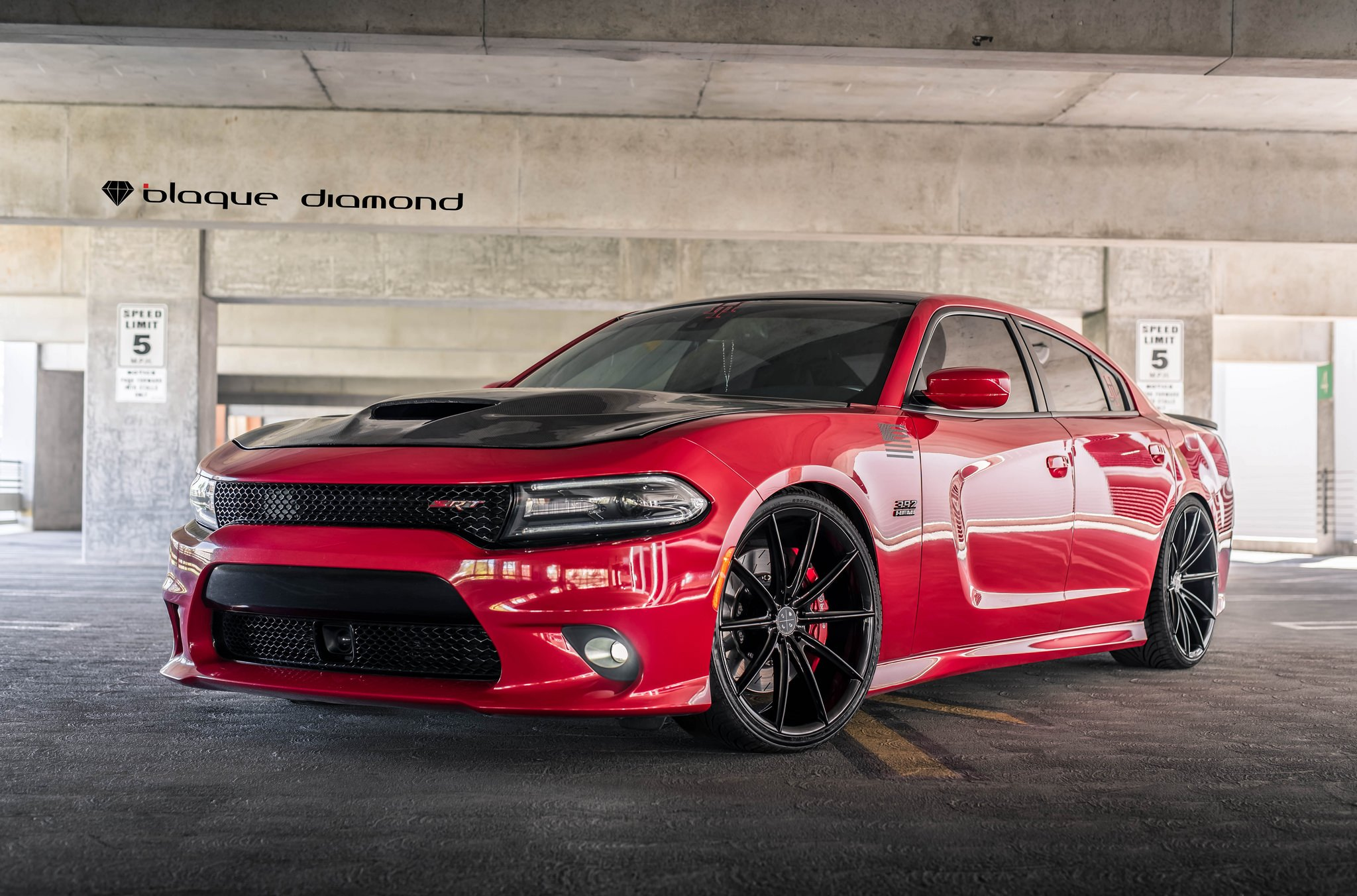 HEMI Charger 392 With Sport Rims - Photo by Black Diamond