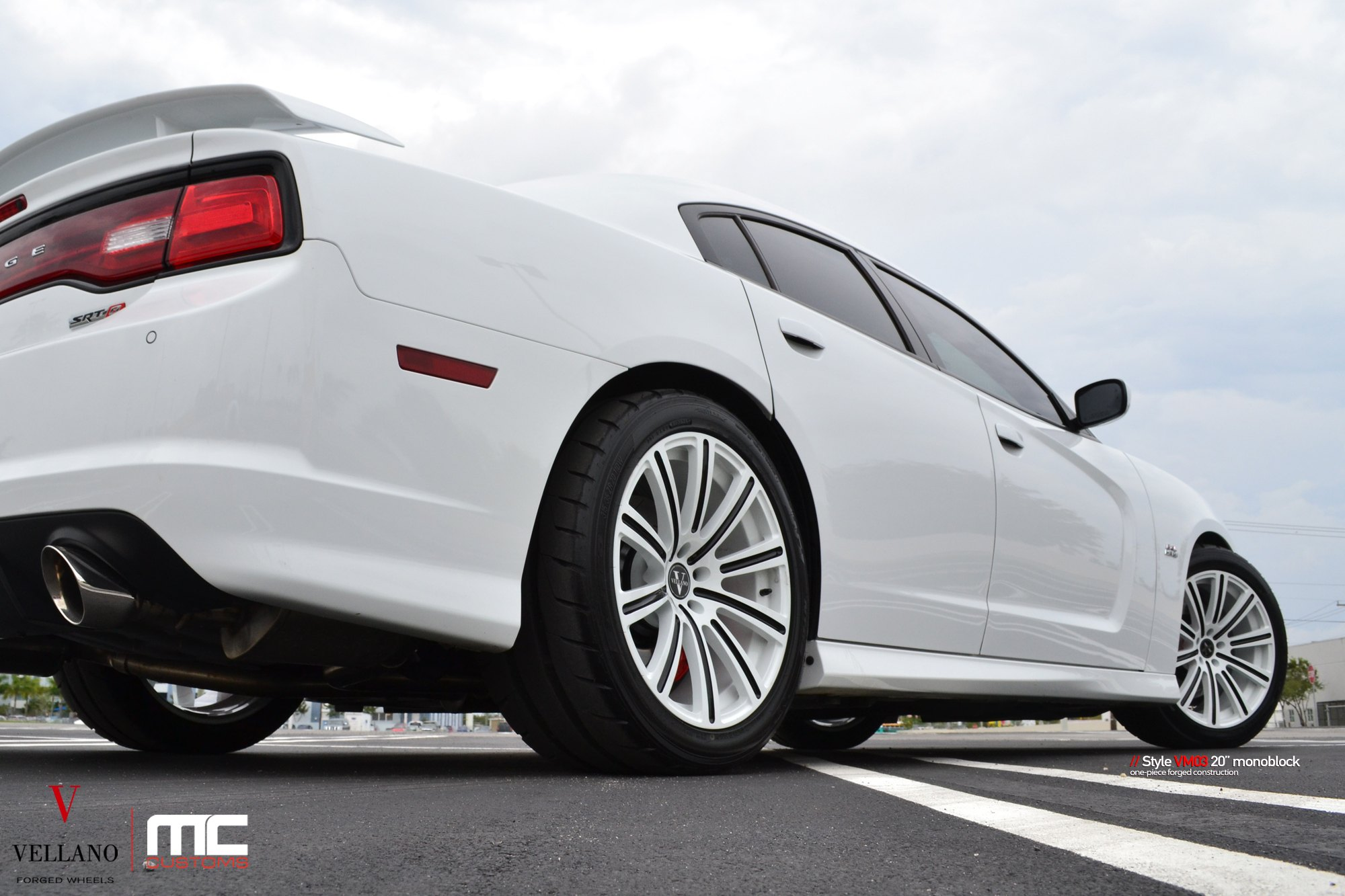 White Dodge Charger SRT Gets an Attractive Face with ...