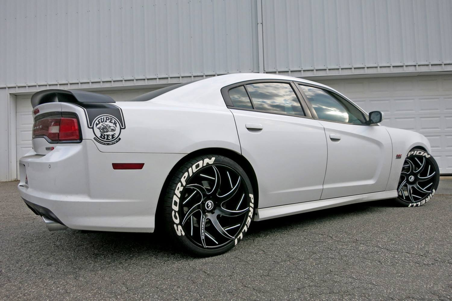 eye catching white dodge charger srt upgraded with improved lighting and exterior add ons. Black Bedroom Furniture Sets. Home Design Ideas