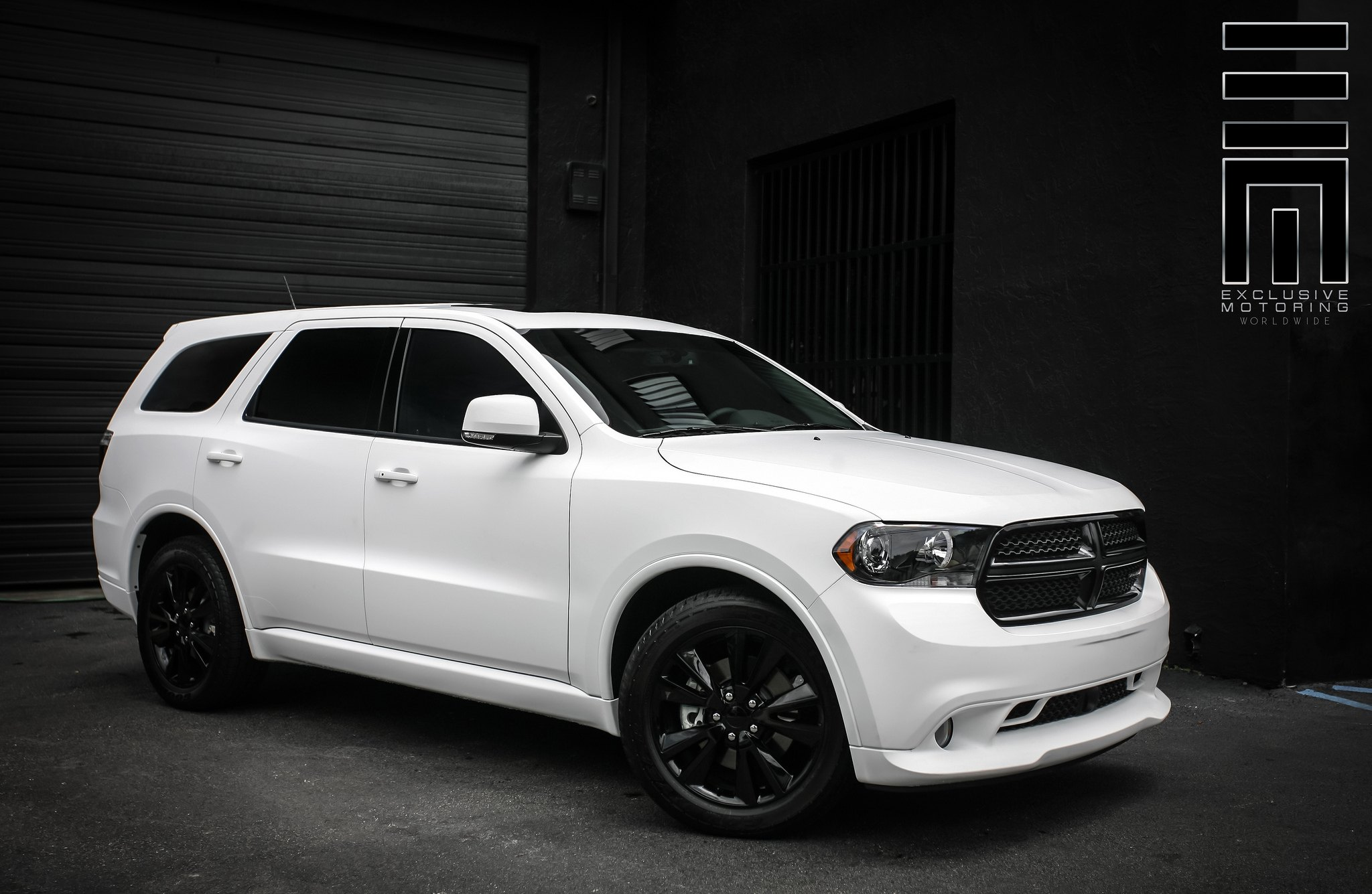 snow white dodge durango r t by exclusive motoring gallery. Black Bedroom Furniture Sets. Home Design Ideas