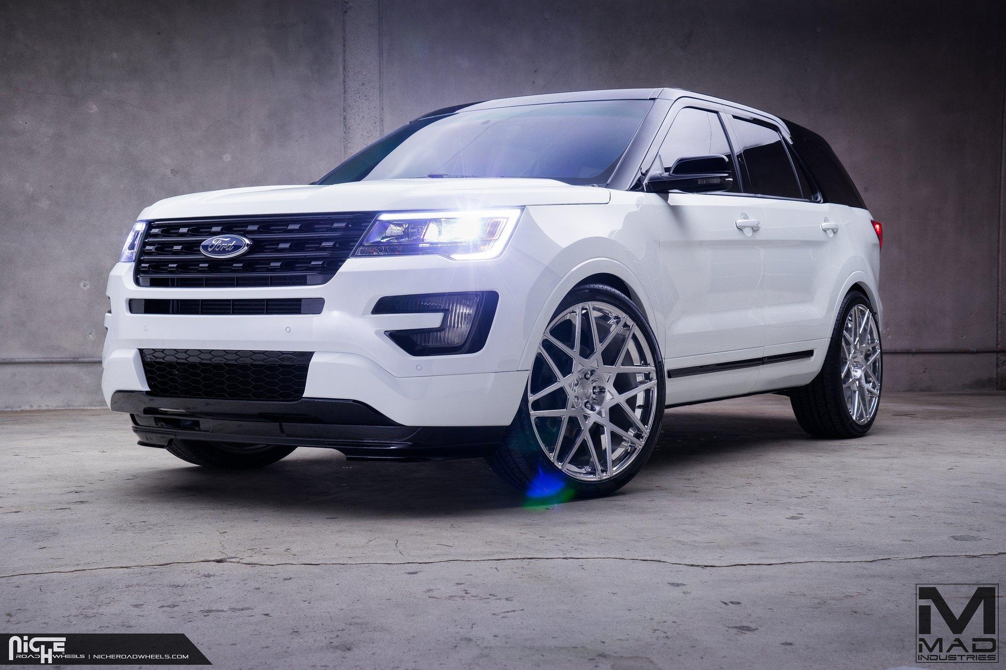 Ford Explorer Black Rims >> Black Top Ford Explorer On Niche Alpine D Custom Wheels