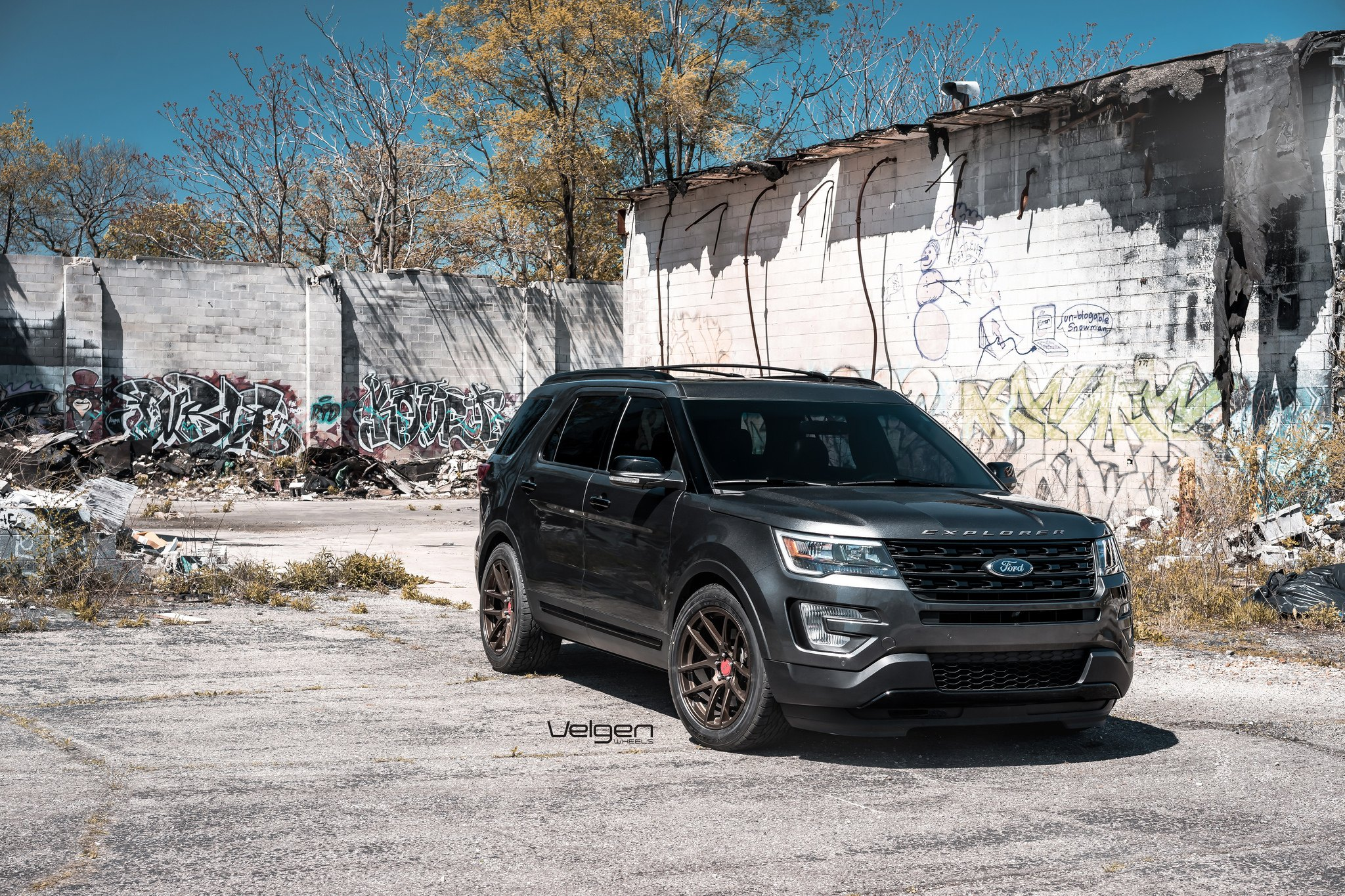 Custom 2017 Ford Explorer Photos