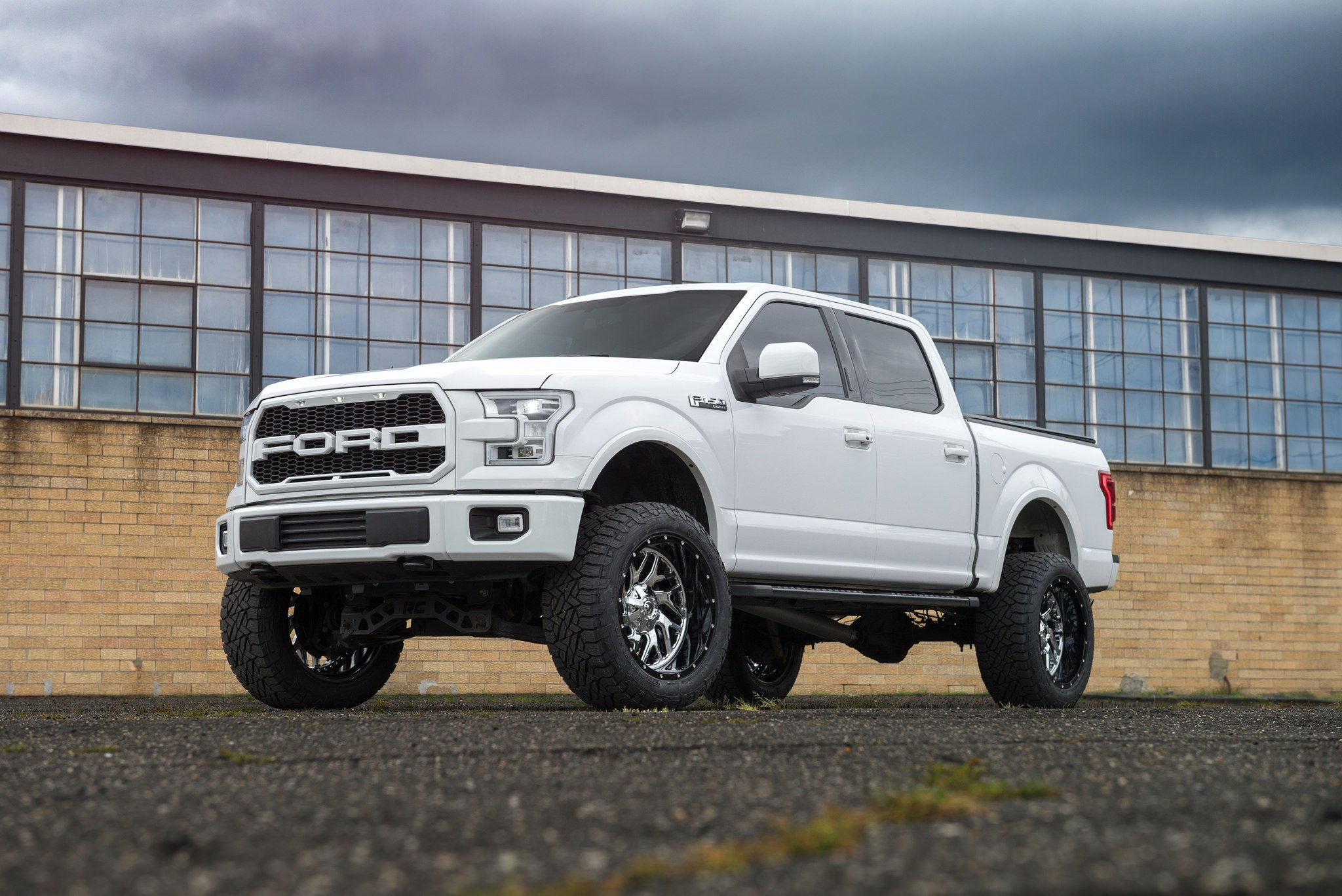 Lifted Ford F150 >> Visual Styling Tweaks And Large Off Road Wheels On Ford F150